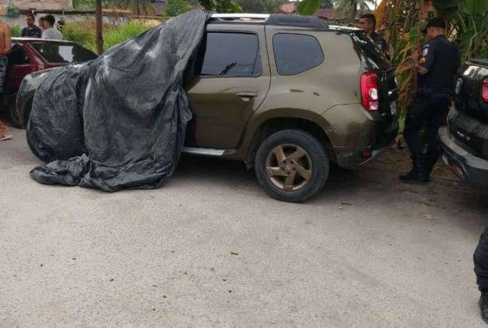 Policial militar foi encontrado morto dentro de carro em Duque de Caxias