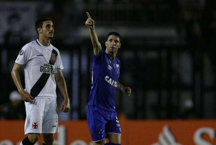 Vasco foi goleado e est� eliminado da Libertadores