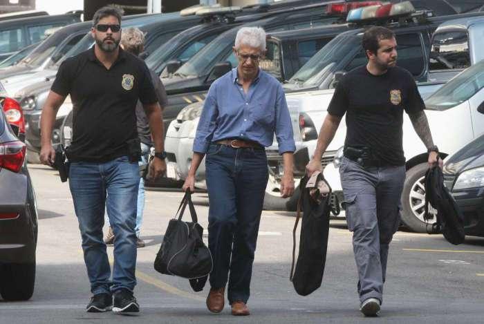 Agentes da Pol�cia Federal encaminharam suspeitos � delegacia, na Opera��o 'C�mbio, Desligo'