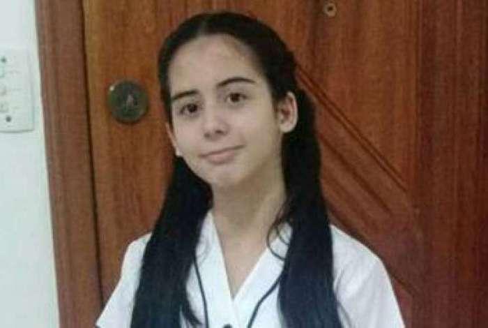 Ana Clara Barbosa Marques � aluna do Col�gio Pedro II