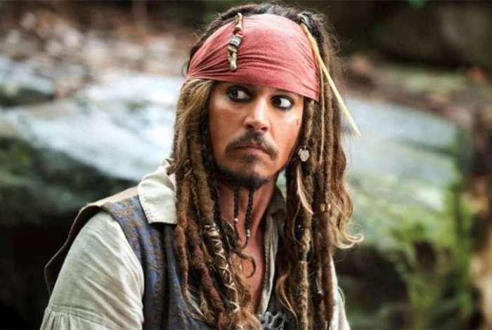 Johnny Depp na pele do capit�o Jack Sparrow, de 'Piratas do Caribe'