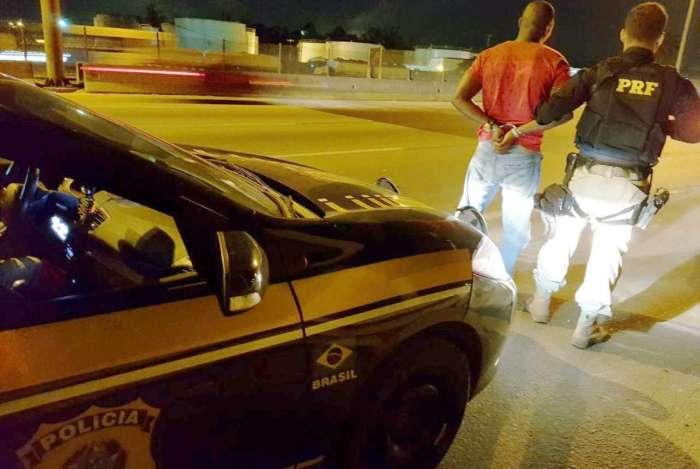 Suspeito de integrar milícia foi preso na Washington Luiz