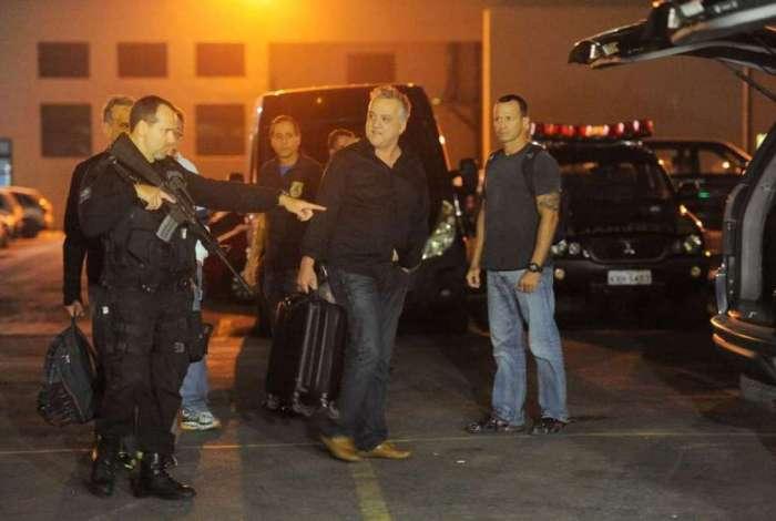 Carlinhos Cachoeira (centro) foi preso na Opera��o Saqueador, em 2016