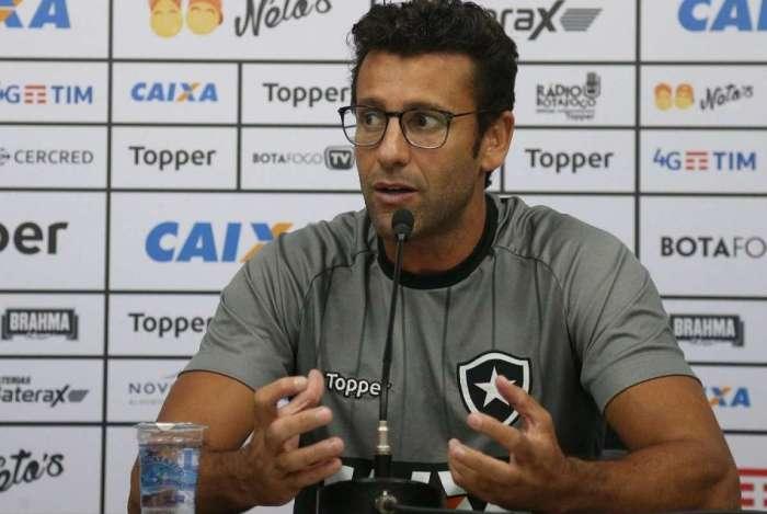 Alberto Valentim pediu aten��o ao rival de domingo
