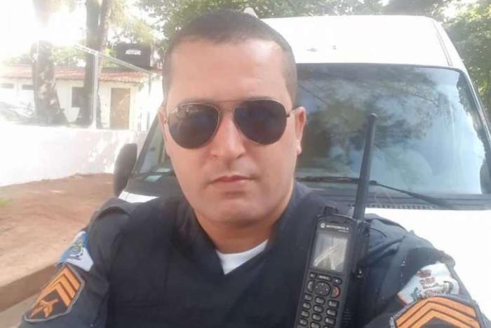 Sargento Pr�ncipe, de 38 anos, foi encontrado desacordado dentro de uma viatura neste s�bado