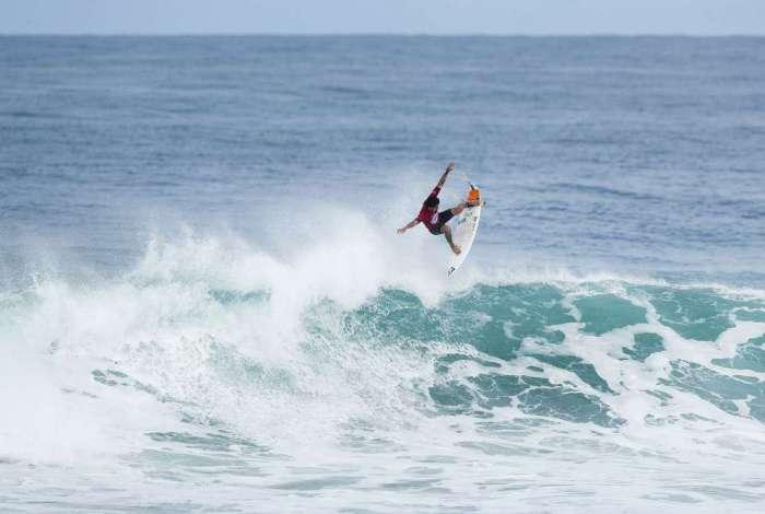 A capital brasileira do surfe tem ondas perfeitas para o esporte