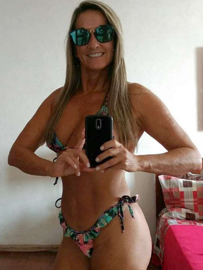 Regina Polivalente faz sucesso ao mostrar corpão nas redes sociais