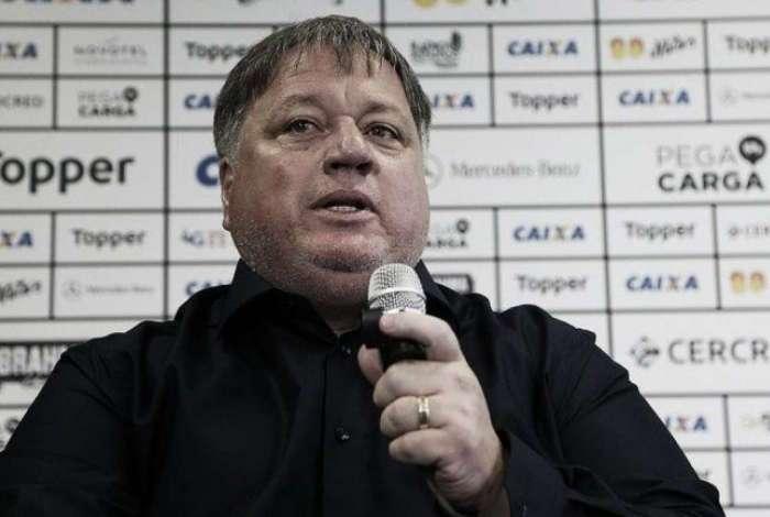 Anderson Barros � gerente de futebol do clube