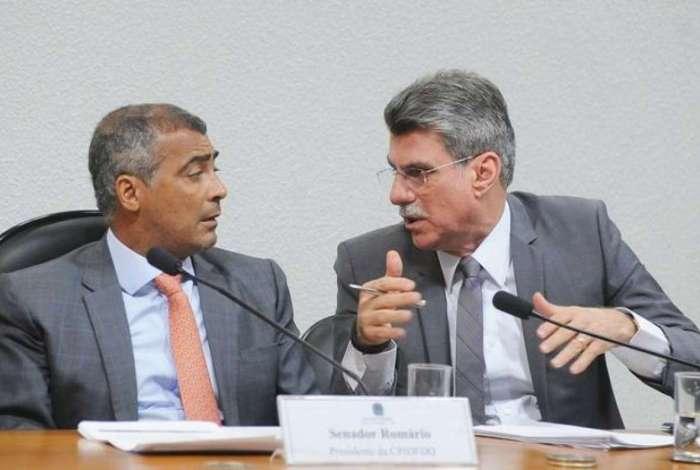 Romário (Pode-RJ) e Romero Jucá (MDB-RR): colegas no Senado