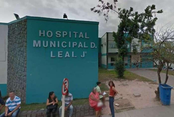 Homem armado troca tiros com policial dentro de hospital em Itaboraí