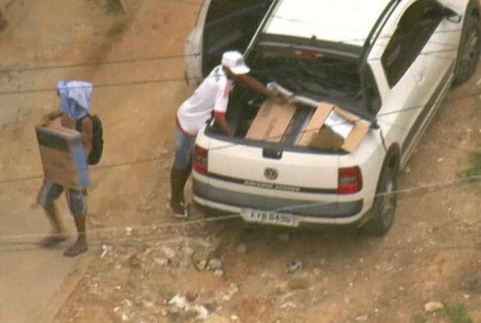 Bandidos roubaram carga no Camarista M�ier