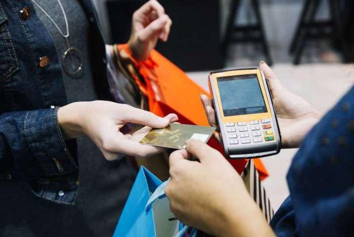 Associação comparou preços em 66 lojas físicas nas zonas Norte, Oeste e Sul, além de 26 online