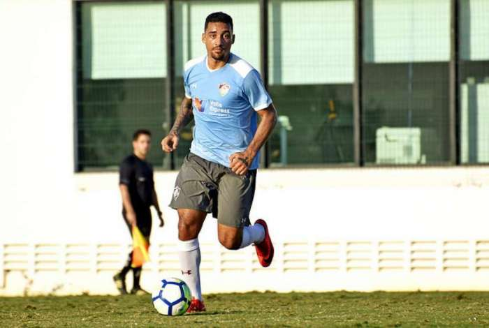 Robinho recebeu elogios do treinador Abel Braga
