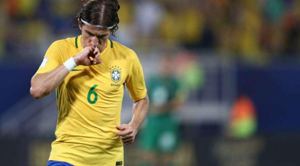 Filipe Lu�s, lateral