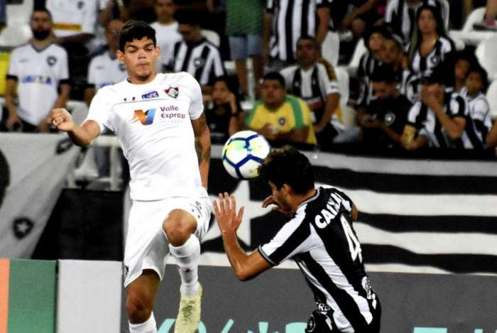 155315d671 Confira a nota do time do Fluminense na derrota para o Botafogo no Nilton  Santos