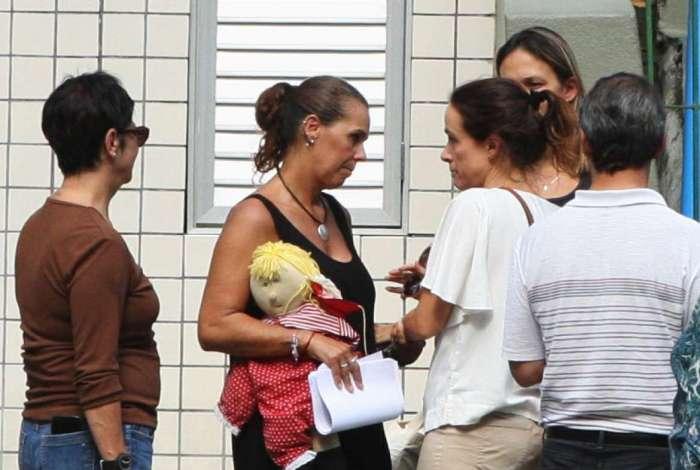 Reconstituição busca descobrir de onde partiu tiro que atingiu criança de 6 meses no ombro