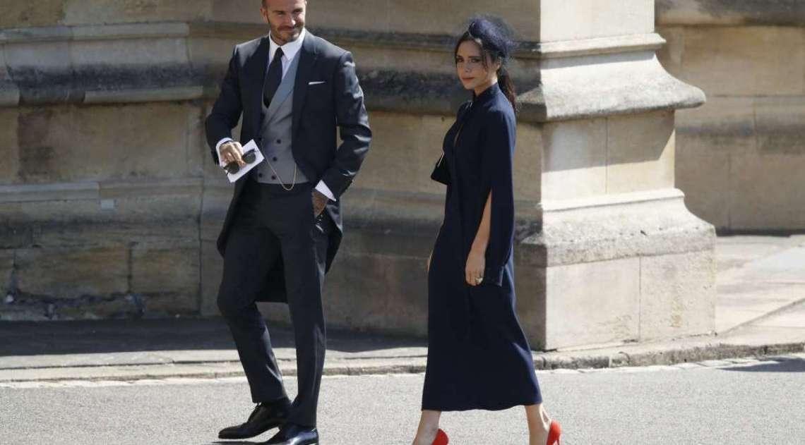 O ex-jogador de futebol inglês David Beckham e a estilista Victoria Beckham compareceram ao casamento real