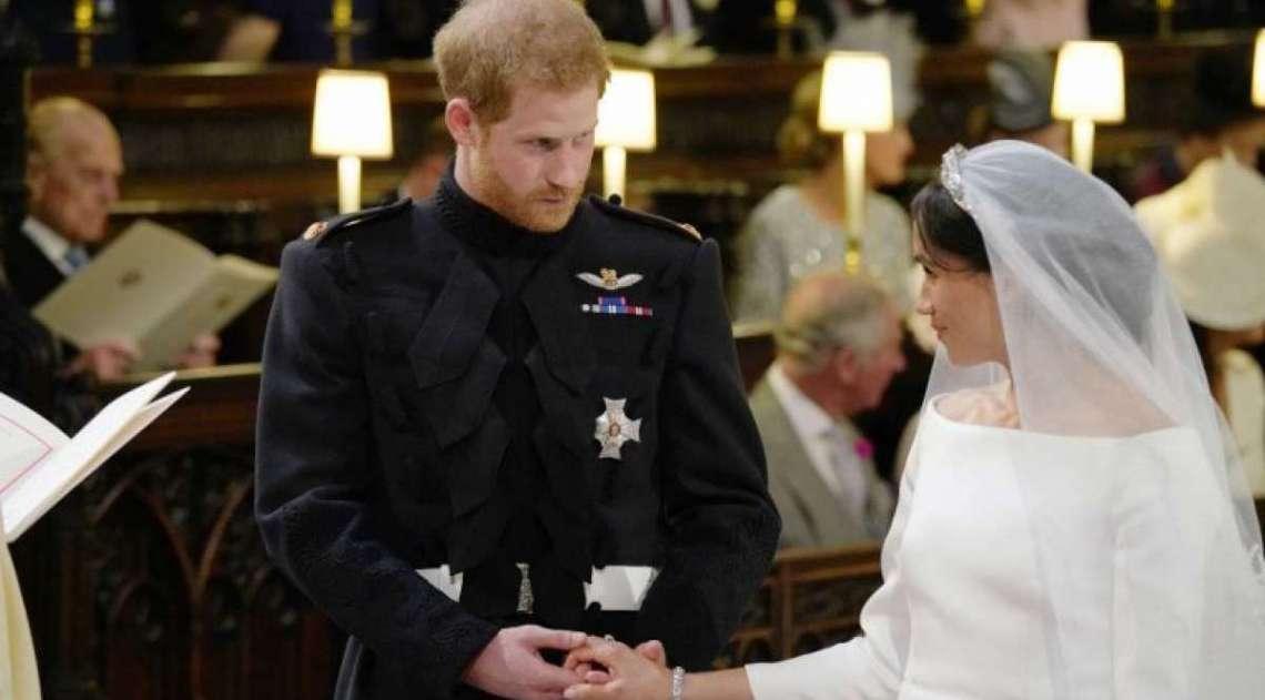 Pr�ncipe Harry da Inglaterra e a atriz americana Meghan Markle, agora duquesa de Sussex, trocaram muitos carinhos durante cerim�nia