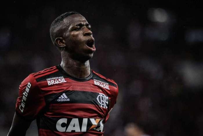 31bfbcdc93 Confira as notas do time do Flamengo no clássico contra o Vasco O ...