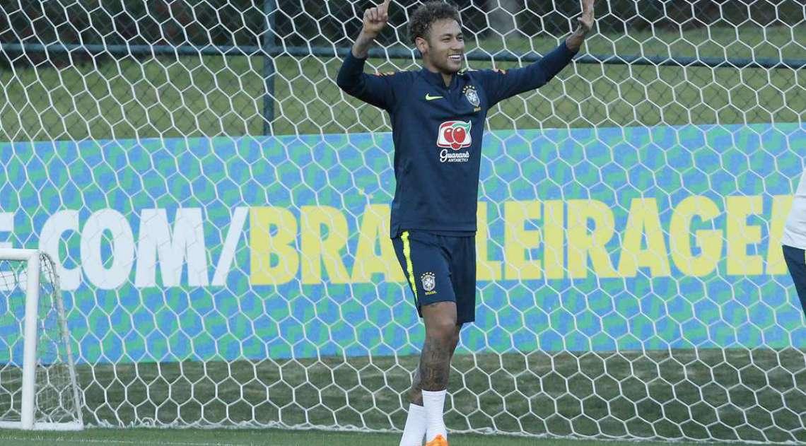Neymar fez seu primeiro trabalho no gramado em Teresópolis
