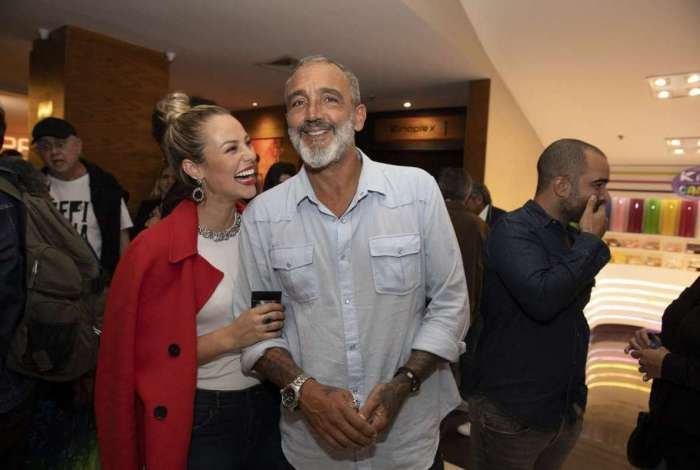 Paolla Olivera e Rog�rio Gomes