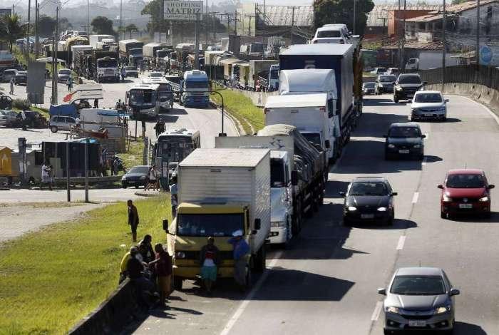 """União reservou R$ 9,5 bilhões para bancar essa parte do pacote, que ficou conhecido como """"bolsa caminhoneiro"""" após a greve no setor"""