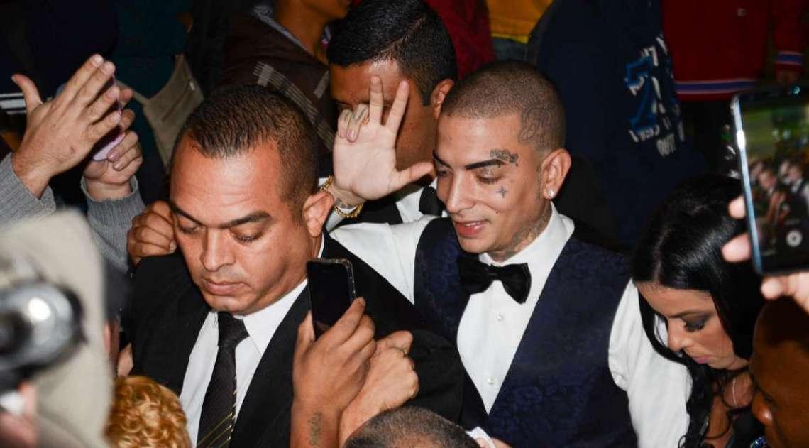 Lexa e MC Guim� se casam em S�o Paulo