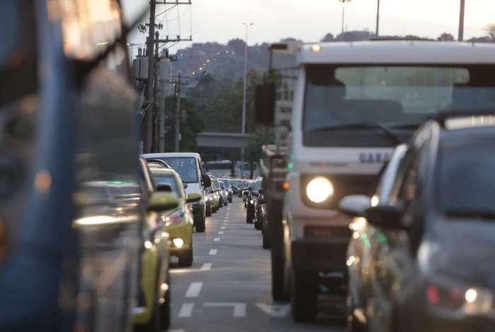 Caminhoneiros seguem com manifestações em rodovias neste sábado
