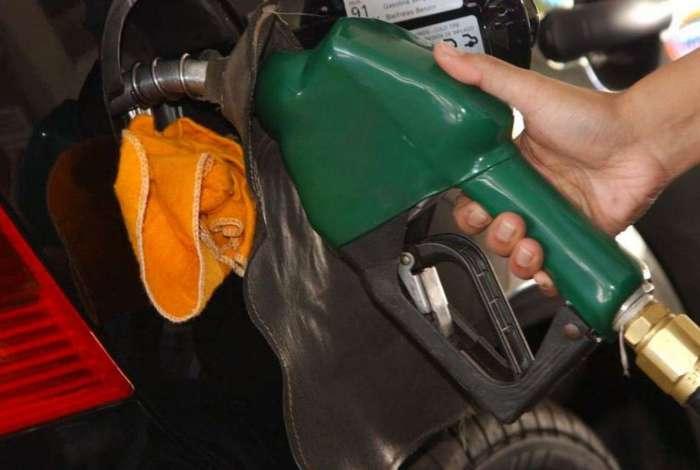 Em três dias, o preço da gasolina acumula queda de 3,39%. Apesar disso, o combustível acumula alta de 12,14% em maio