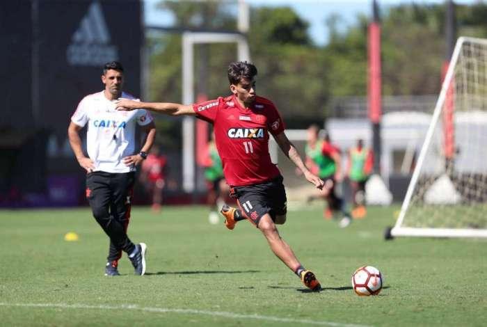 Suspenso pelo terceiro amarelo, Lucas Paquet� est� fora do primeiro jogo das oitavas da Libertadores