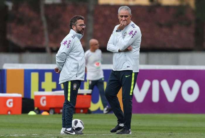 Brasil pode ter quatro desfalques no amistoso contra a Croácia antes ... 06122ff30b230