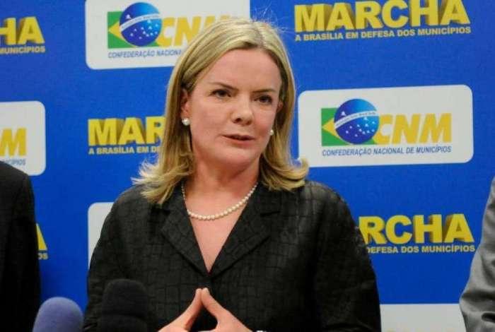 A senadora Gleisi Hoffman na Marcha a Brasília em Defesa dos Municípios