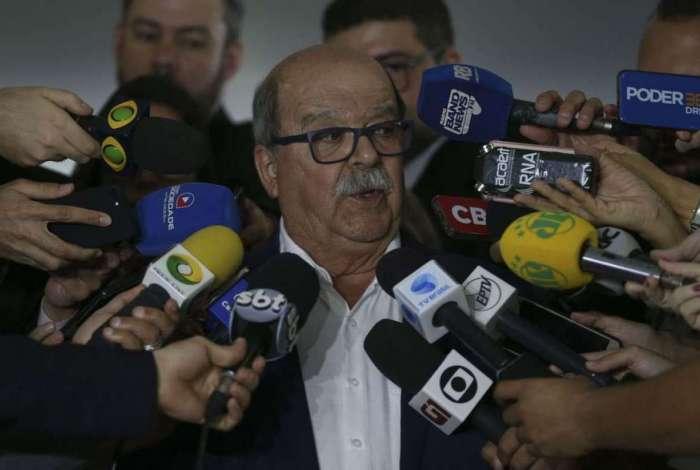 O presidente da Associa��o Brasileira dos Caminhoneiros (Abcam), Jos� da Fonseca Lopes, fala � imprensa, no Pal�cio do Planalto