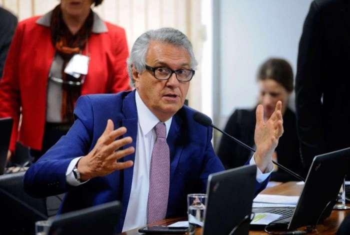 O senador Ronaldo Caiado (DEM-GO) � o autor do projeto, que teve relat�rio favor�vel do senador Antonio Anastasia (PSDB-MG)