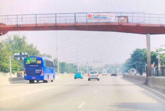 Avenida Brasil vazia: falta de combust�vel esvazia vias expressas da cidade