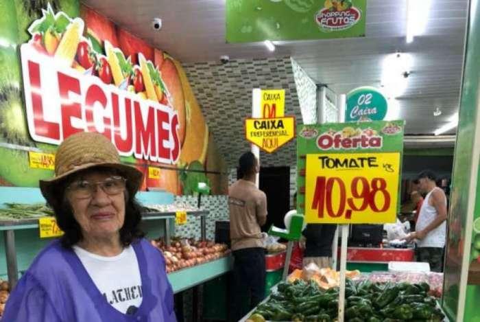 Em um hortifr�ti na Lapa, a sobra de tomate na banca custava R$ 10,98 o quilo, na tarde de ontem