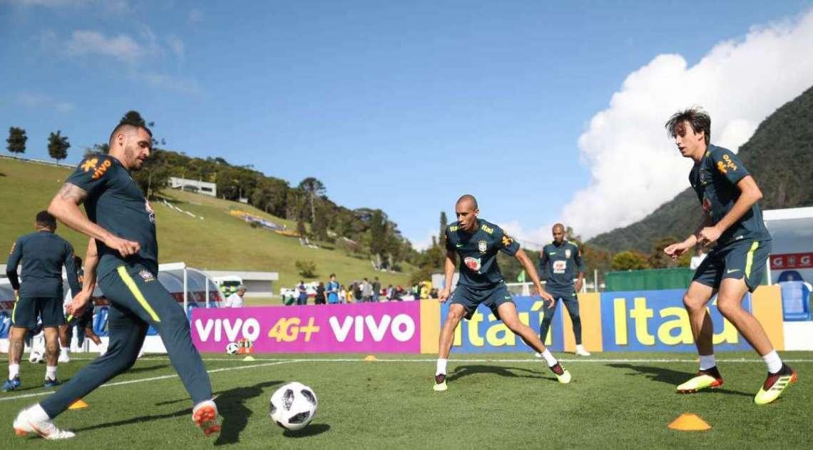 Jogadores treinaram na manh� deste s�bado visando a estreia no Mundial da R�ssia, no pr�ximo m�s