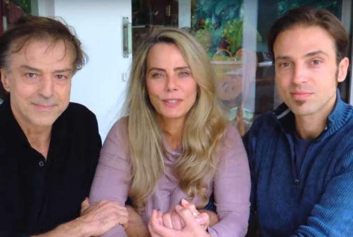 Bruna Lombardi, o marido, o ator Carlos Alberto Riccelli, e o filho do casal, Kim