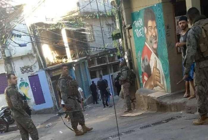 Um policial militar do Bope foi ferido em confronto e socorrido para o Hospital Miguel Couto, na G�vea