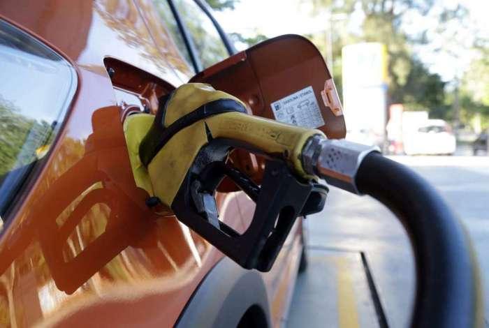O diretor executivo da Petrobras, Nelson Luiz Silva, disse que a paralisação dos petroleiros por 72 horas não terá impactos na produção de combustível no país