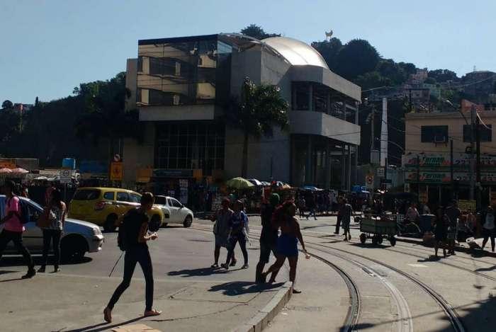 VLT foi interrompido em alguns trechos por conta de tiros no Morro da Providência