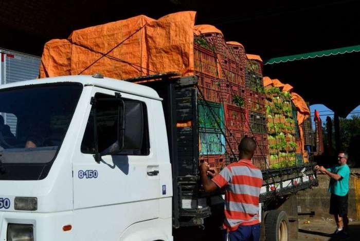 A Central de Abastecimento do Estado do Rio (Ceasa-RJ), em Irajá, na Zona Norte do Rio, volta a comercializar verduras e legumes em geral que estavam em falta nos últimos dias, devido à greve dos caminhoneiros