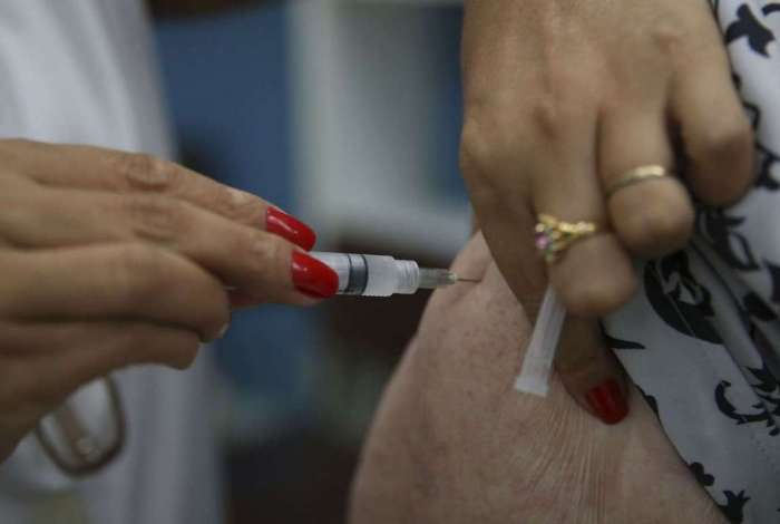 Imunização está disponível nos postos. Dia D será em 18 de agosto