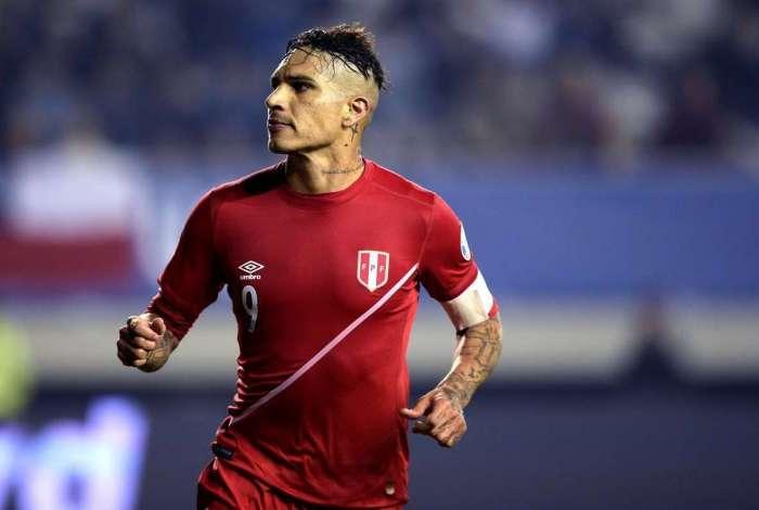 Na sele��o peruana, Guerrero tem contrato at� agosto com o Flamengo