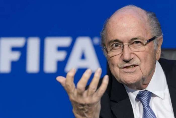 Blatter se disse 'feliz por poder dar explicações'