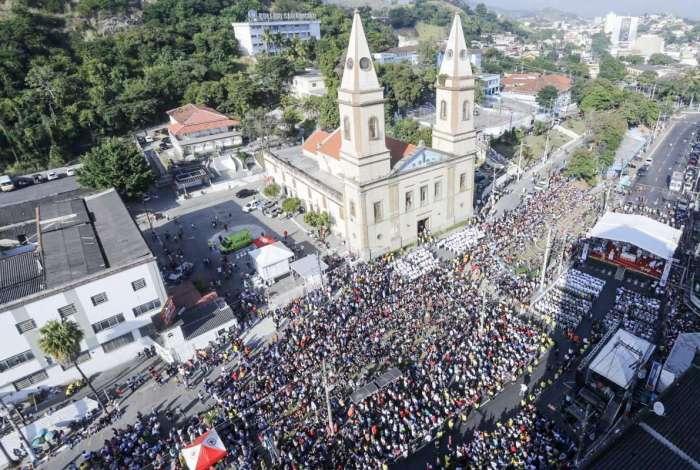 Católicos celebram dia de Corpus Christi em São Gonçalo, na Região Metropolitana do Rio