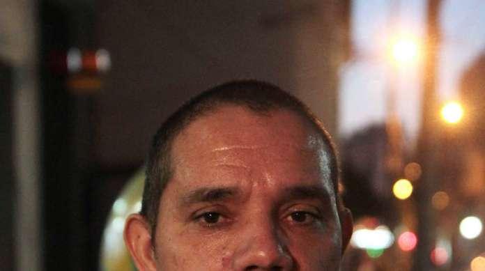 ORLANDO MARTINS, 46 anos, vigilante, mora em Realengo.