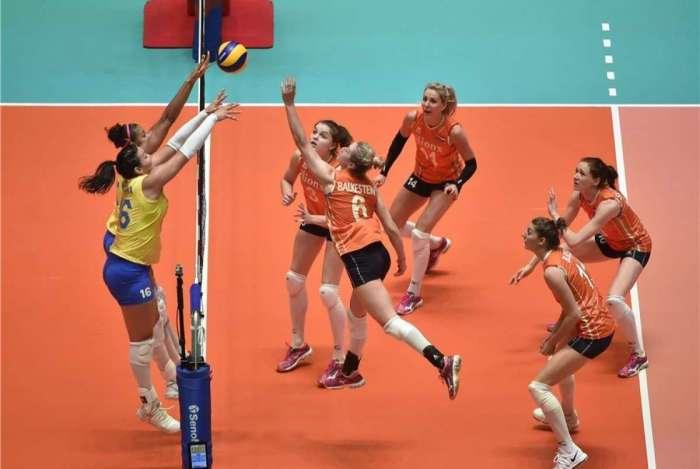 Brasil bate Holanda no vôlei feminino e vence a oitava seguida na ... f159d2cbbe6d2
