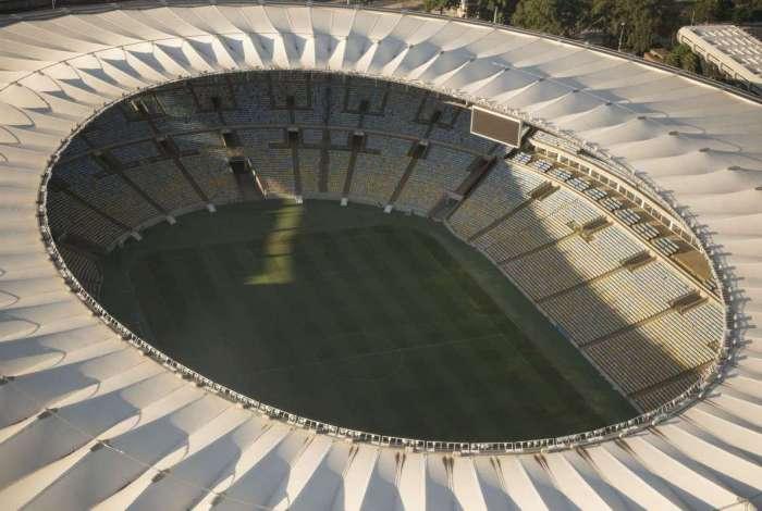 Flamengo e Fluminense gerem o estádio desde abril