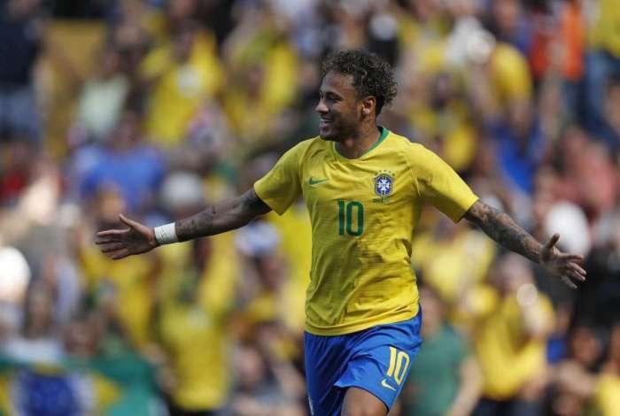 Neymar marcou um gola�o contra a Cro�cia